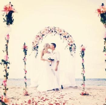 A beautiful beach wedding at Zoetry Agua Punta Cana.