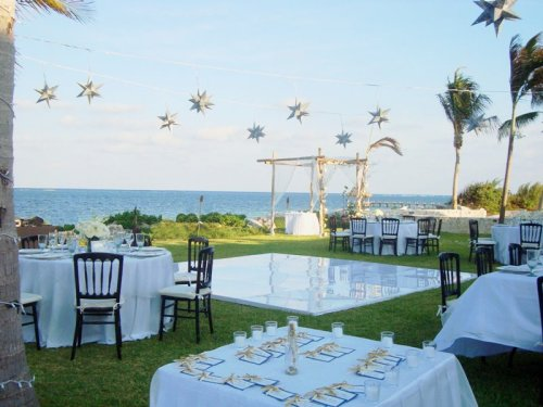 Sample some seafood delicacies at your reception in the scenic Zoëtry Paraiso de la Bonita Resort, Riviera Maya.