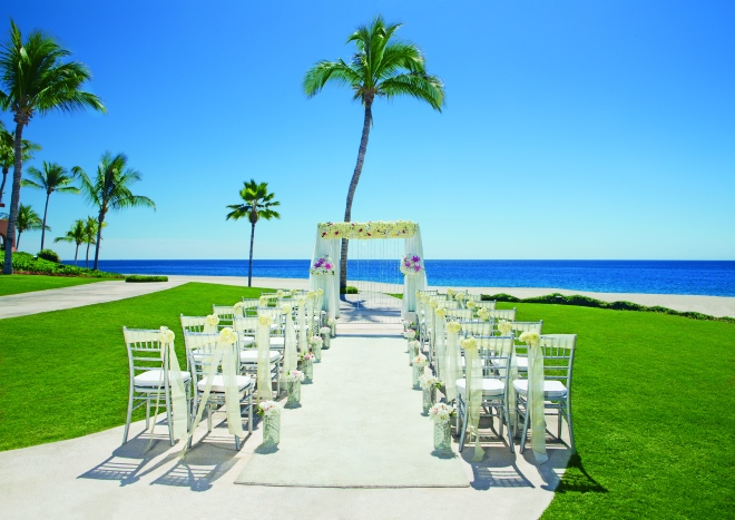 Exchange vows by a sapphire ocean at  Zoëtry Casa Del Mar Los Cabos