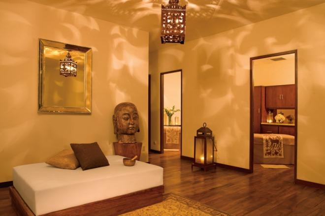 Enjoy a massage in one of the luxurious cabins in the spa at Zoëtry Casa del Mar.