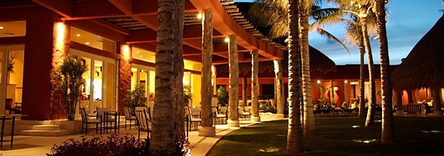 La Canoa Restaurant is one of Zoëtry Paraiso de la Bonita Riviera Maya's culinary gems, receiving AAA Four Diamond recognition.