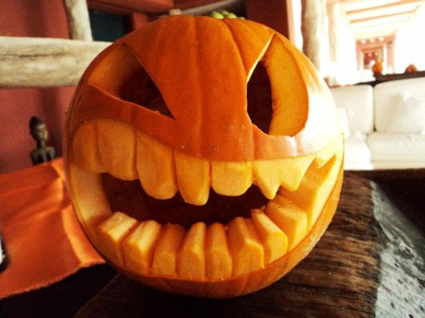 Zoetry Paraiso de la Bonita shows off their pumpkin carving skills this Halloween.