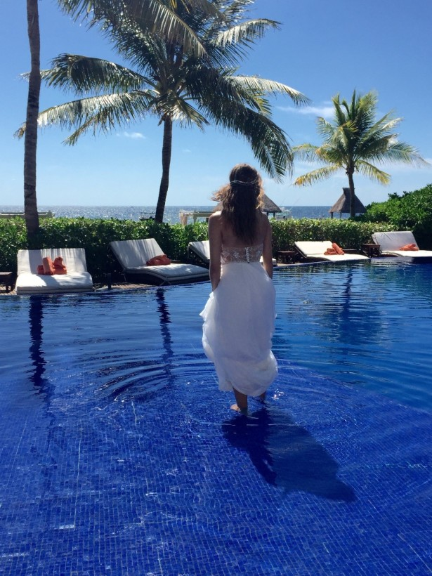 The crystal waters of the pool are the perfect place for any bohemian bride to cool off!