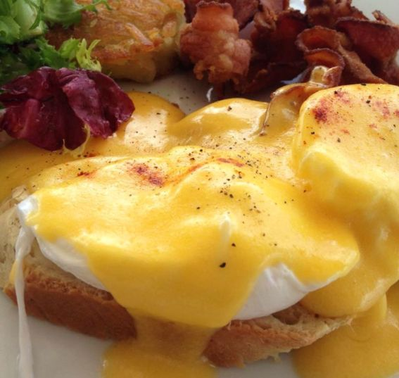 eggs-benedictine-breakfast-2